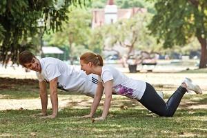 como hacer ejercicios en casa flexiones