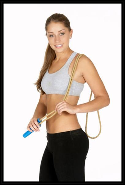 ejercicios para bajar el abdomen saltar la cuerda