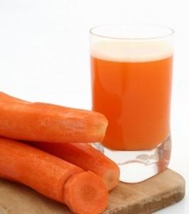vitaminas de la zanahoria en jugo